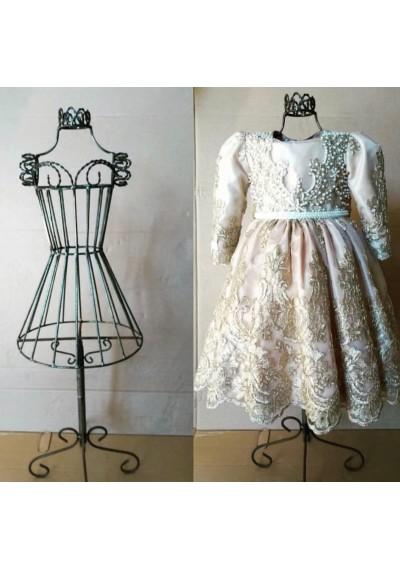 Manequim de ferro para vestido infantil
