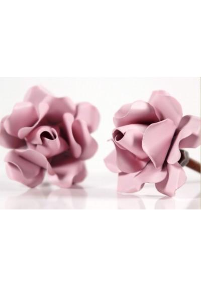 Puxador em ferro rosa