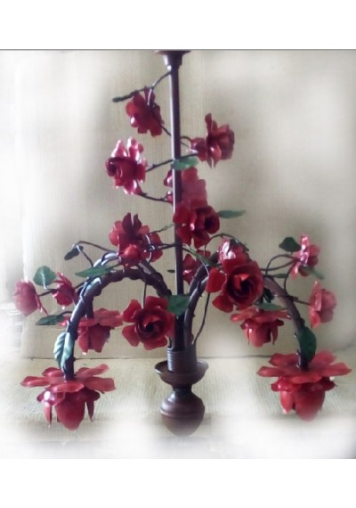 Lustre em ferro floral bocal para baixo